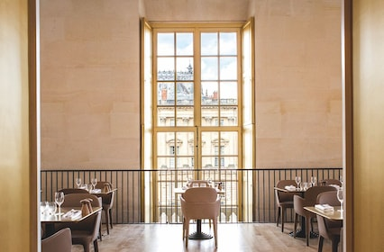 Ore restaurant in the Palace of Versailles