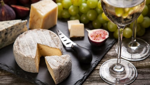 Cheese and wine tastings at a winery in the countryside around Catania
