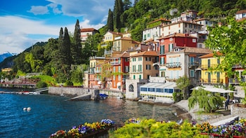 Classic Tour of Como Lake from Milan - small group tour