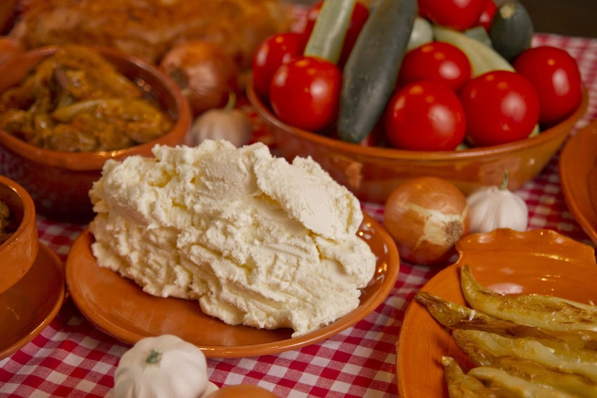 Soft cheese and vegetables for a cooking class in Palermo