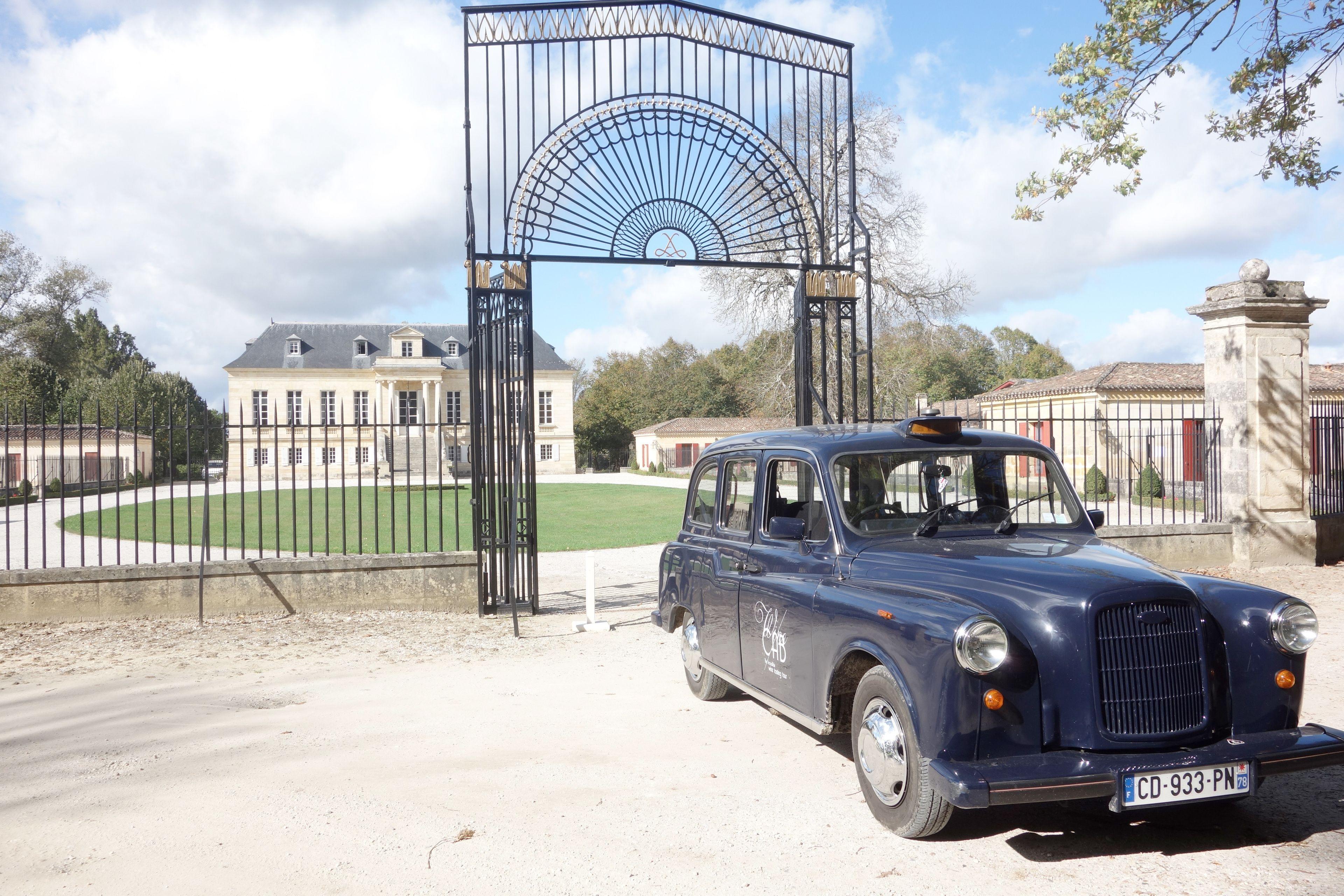 Antique car at Saint Emilion winery