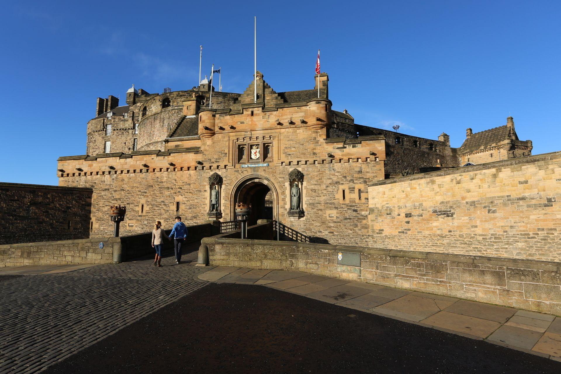 Royal Edinburgh -lippu: hop-on hop-off -kiertoajelu ja vierailu Edinburghin...