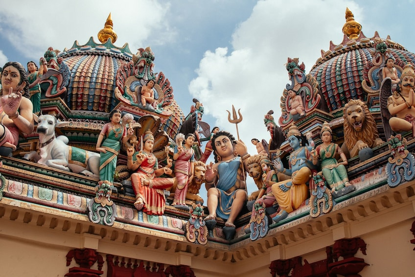 Show item 2 of 6. Sri Mariamman Temple, Singapore