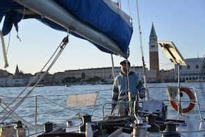 Venice: 3-Hour Aperitif Sailing Trip on the Venetian Lagoon