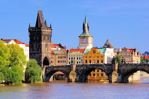The Best of Prague with Lunch and Boat Cruise