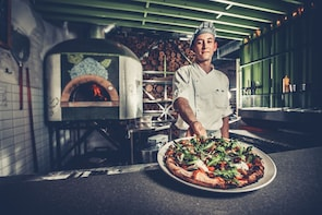 Sorrento: 3-Hour Traditional Neapolitan Pizza Show & Tasting