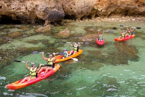 2 Hour Kayak Tour to the Caves of Ponta da Piedade