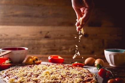 shutterstock_572486143 pizza ingredienti.jpg