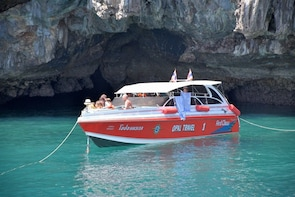 4 Island Snorkel Tour to Emerald Cave by Speed Boat