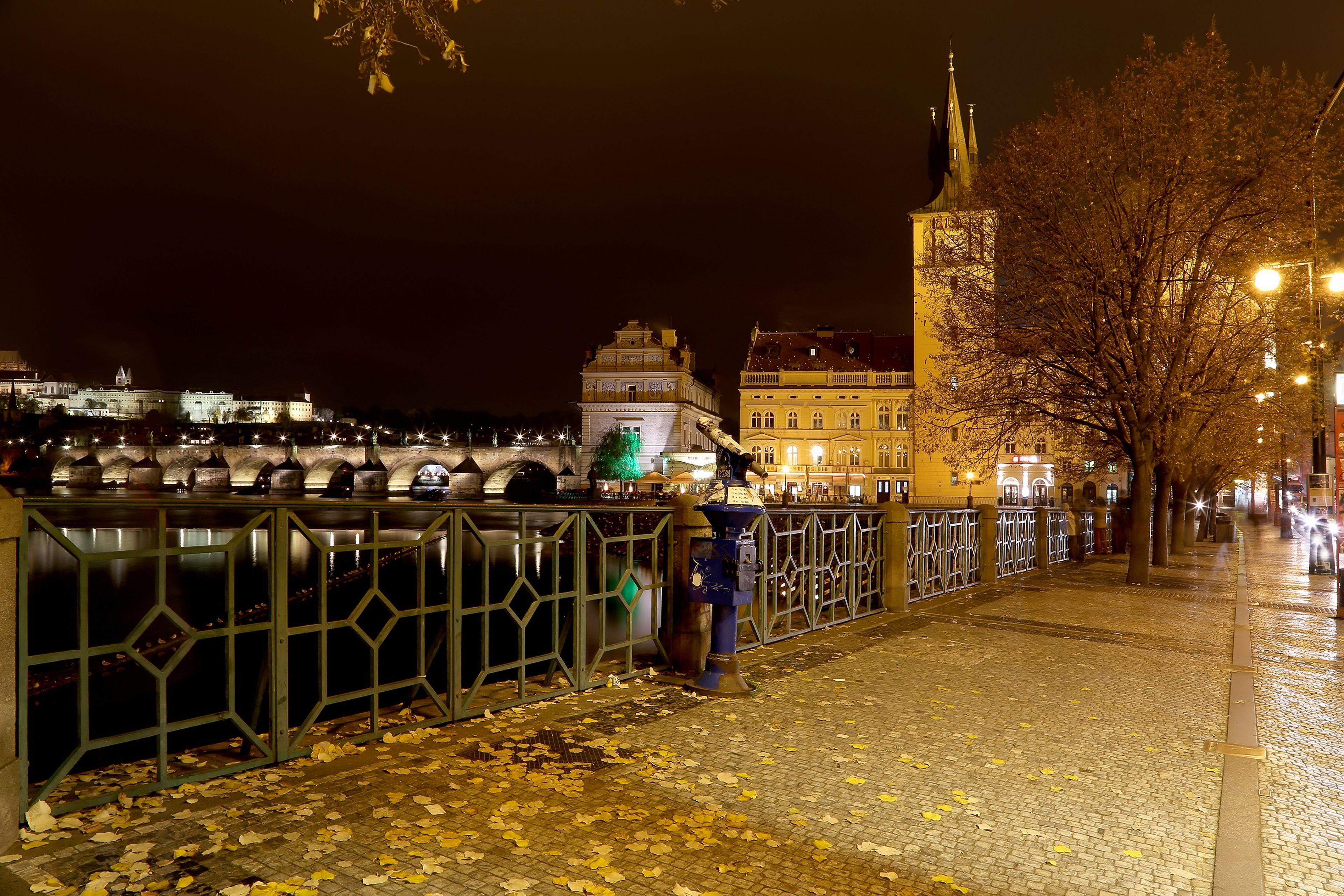 Night street view of Prague Castle