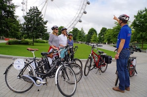 The Magic of London Bike Tour- Standard & Electric Bikes