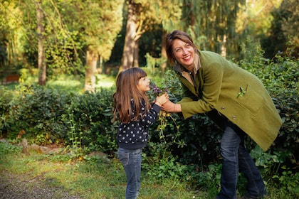 Mother and daughter in a park in Florence