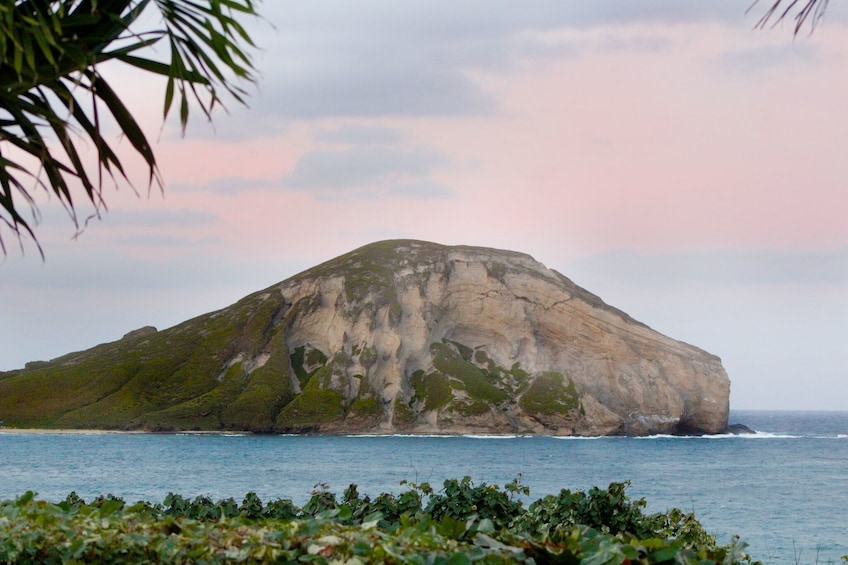 Show item 3 of 10. Islet in Hawaii