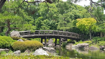 Explore Nagoya's Castle, Gardens, History, and More!