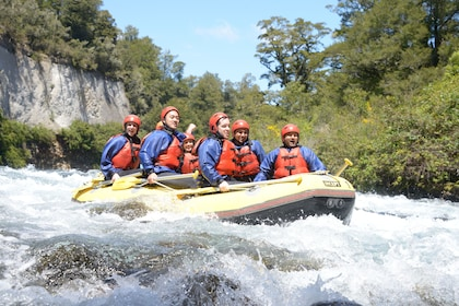 Sunny day on the white water rafting adventure in Tongariro River
