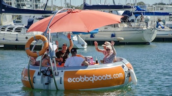 Self-Drive BBQ Boat Hire Mandurah - Group of 7-8 people