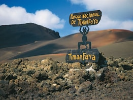 Timanfaya, the Green Lagoon and La Geria Tour