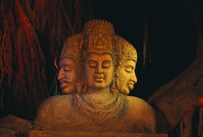 Private Full day Mumbai city and Elephanta Caves with lunch