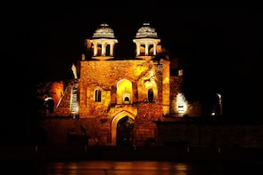 Private tour Sound and light show Delhi Old Fort with dinner