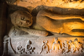 Private Full day tour to Ajanta and Ellora caves with Lunch