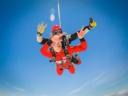 Experiencia de paracaidismo en tándem en el Algarve
