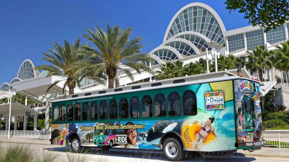 Carregar foto 3 de 9. I-Ride Trolley Hop on hop off in Orlando
