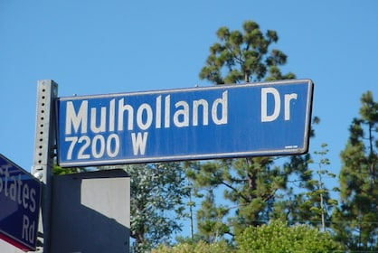 Mulholland Drive 7200 W sign