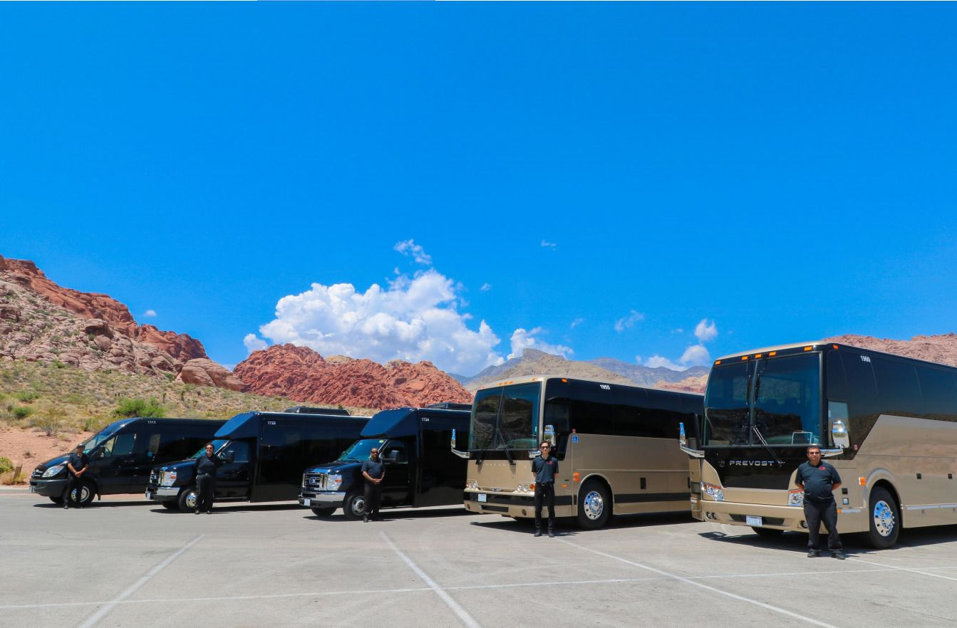 Parked luxury coach at the Grand Canyon