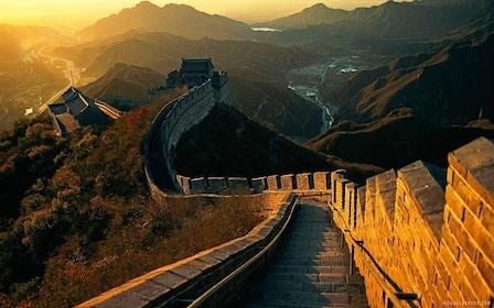 Beautiful sunset views of the Great Wall of China