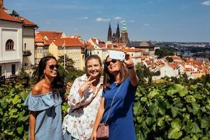 Private Prague Castle & Neighborhood Tour