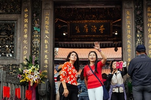 Private Tour of Old Taipei: The Real Deal