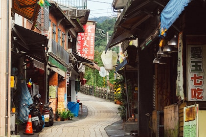 Alley in Taipei