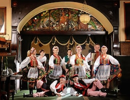 Folk Show in Jama Michalika