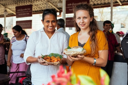 Women with baskets of food in Sri Lanka