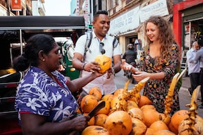Private Street Food Tour with 10 Tastings in Colombo