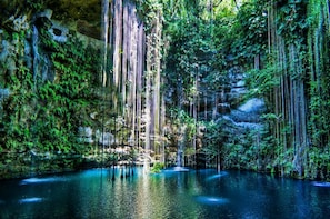 Private Tour Tulum & Chichen Itza with swimming in Cenote