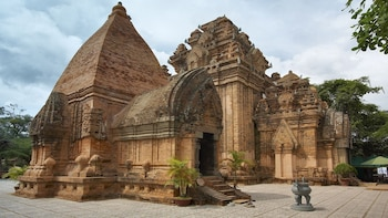Nha Trang's Temples Half Day Tour