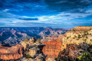 Grand Canyon South Rim Tour Bus With Walking Tour Guide