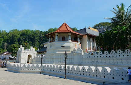 Landscape view of Temple of the Tooth in Kandy, Sri Lanka