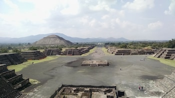 Guadalupe Shrine & Pyramids Teotihuacan Tour-Optional Lunch