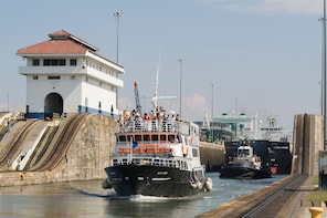 Panama Canal Partial Transit Tour - Northbound
