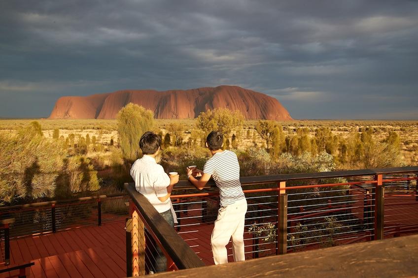 4 Tour Uluru Combo with Kata Tjuta Sacred Sights and Sunsets