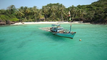 Southern Phu Quoc Full-day Snorkelling and Fishing Tour