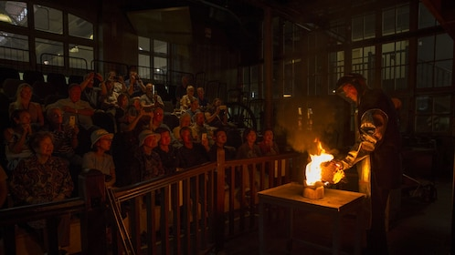 Gold Pour at the Perth Mint