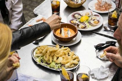 Group enjoys tapas in Sevilla