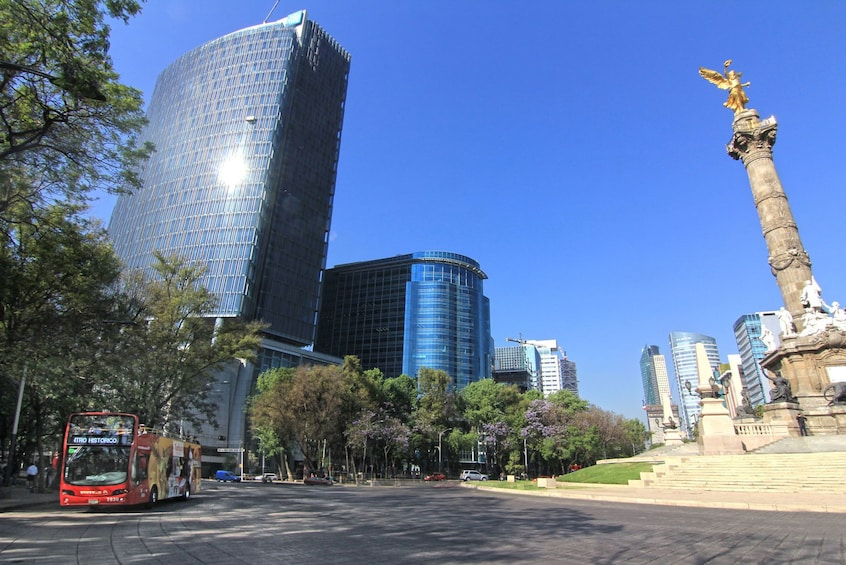 Turibus on Paseo de la Reforma in Mexico City