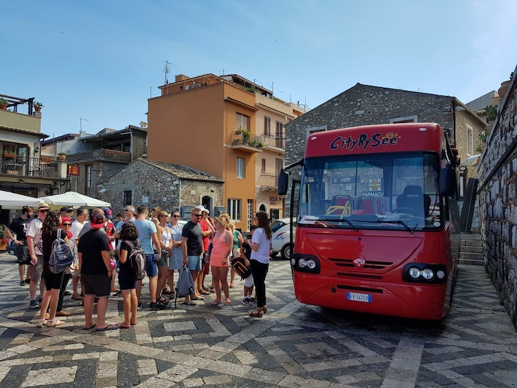 Lataa valokuva 2 kautta 8. CityBySee Taormina Hop On Hop Off Bus 2 Days Ticket