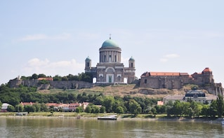 Full-Day Danube Bend Tour Including Lunch & River Cruise