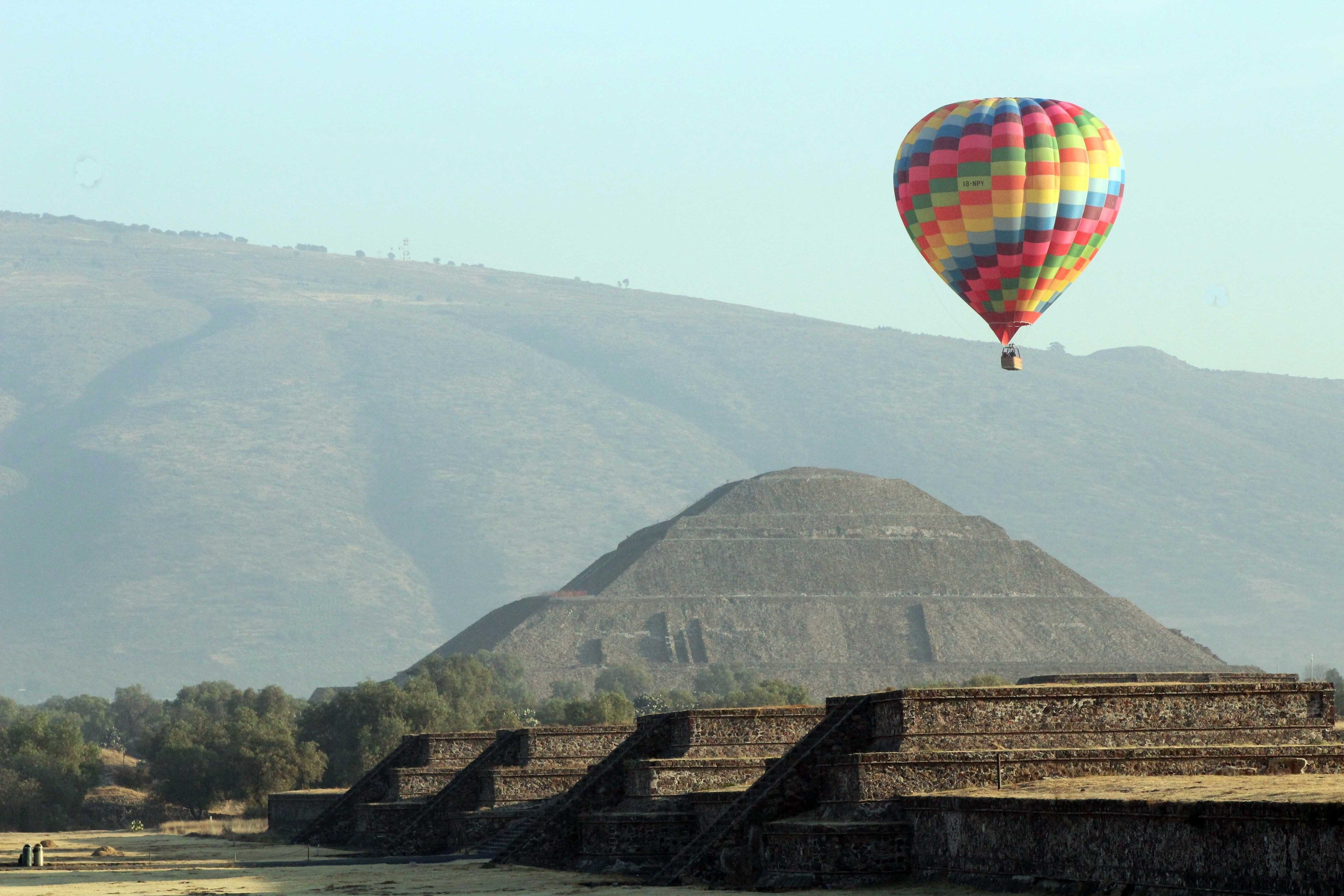 Hot-Air Balloon ride, Walking Tour, Breakfast and Transport