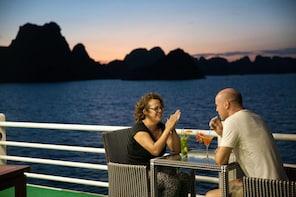 Ha Long Bay Overnight on Cruise 2 days 1 night